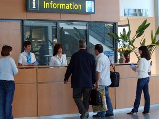 In April 2018, Pau Pyrénées airport welcomed 51,259 passengers.